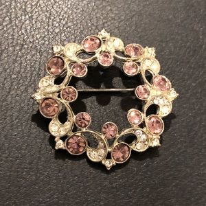Jewelry - Beautiful brooch